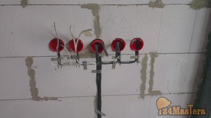 Как сделать розетки в стене