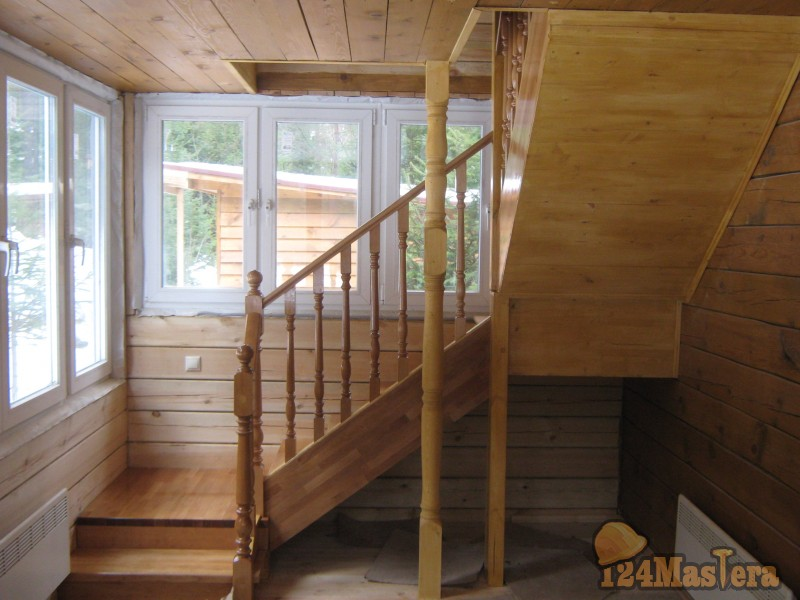 Лестница с двумя поворотами на 90 своими руками