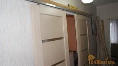 Фото механизм для откатной двери, накинул рельс с роликами...