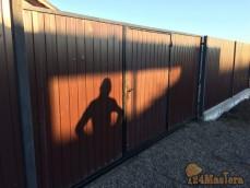 Ворота откатные, с калиткой, установлены в Еловой