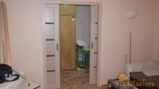 на фото откатная межкомнатная дверь вид изнутри