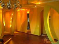 """Оклейка стен обоями, нанесение декоративного покрытия """"венецианская штукатурка""""...."""