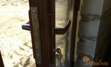 Установка дверей из алюминиевого профиля.