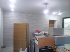 ремонт окончен но старую кухню все еще не вывезли ) пришлось так фотать((((