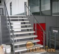 Лестница в стиле ХАЙ-ТЭК.