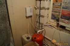 ИБП - источник бесперебойного питания (смонтирован на стене) Обеспечивает автономную рабо...