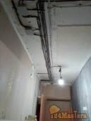 прокладка кабелей по потолку