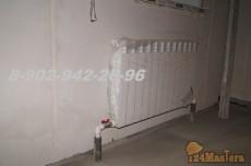 Радиаторная система. Трубы скрыты под бетонной стяжкой пола.