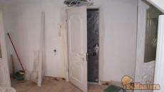Вторая входная дверь. При монтаже надо знать, что ручки дверей могут столкнуться, частая о...