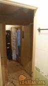 ФОТО Вид из ванной, когда 2 двери рядом, коробка просто упирается в стену плотно максималь...